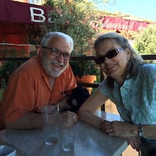 โพรไฟล์ผู้ใช้ Darryl And Barbara