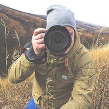 Dustin Brukerprofil