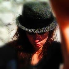 Profil Pengguna Valentina