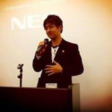 Hikaru is the host.