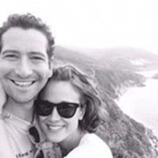 Susan & Josh felhasználói profilja