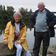 Alain & Françoise是房东。