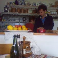 Luca ist der Gastgeber.