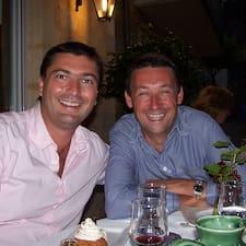 Philippe & Richard je domaćin.