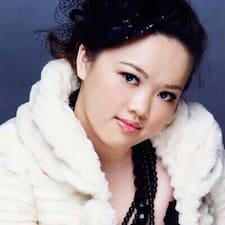 雨萱 is the host.