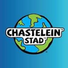 Chastelein is the host.