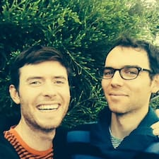 โพรไฟล์ผู้ใช้ Max + Michael