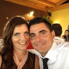 Rafaela And Pedro est l'hôte.
