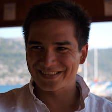 Uyliem felhasználói profilja