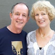 Adrian & Sue — хозяин.
