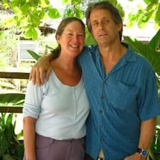 Bob & Lucinda是房东。