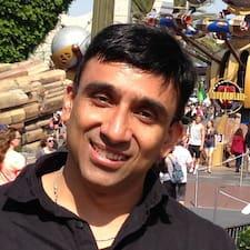 Ajay是房东。