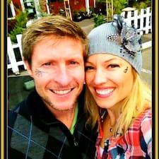 Melissa And Nathan adalah tuan rumahnya.