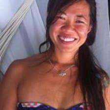 Celinha User Profile