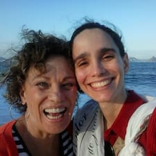 Maria Tereza & Larissa es el anfitrión.