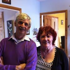 Caroline & Mick ist der Gastgeber.