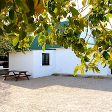 Camping La Pedrera是房东。