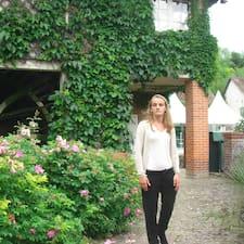 Mathilde是房东。
