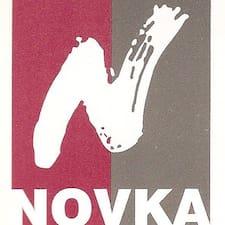 Novka est l'hôte.