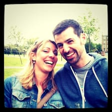 Profil Pengguna Jane & Barry