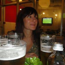 Silvia ist der Gastgeber.