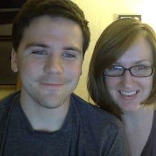 โพรไฟล์ผู้ใช้ Rebecca And Tyler