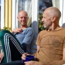 Jørn è l'host.