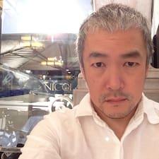 Hiroshi的用户个人资料