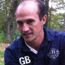 Frédéric è l'host.