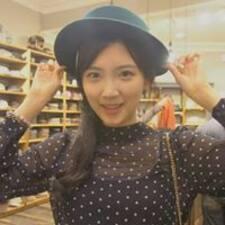 Jinhee est l'hôte.