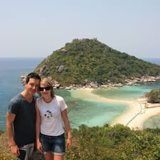Profil Pengguna Caroline & Clément