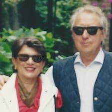 Francesco And Valeria é o anfitrião.