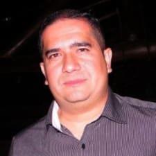 Roberto Octavio คือเจ้าของที่พัก