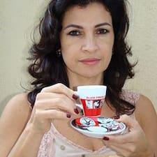 Jussara Nogueira est l'hôte.
