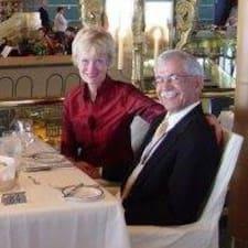 Georgene And Vidal bir süper ev sahibi.