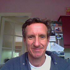 Hughes felhasználói profilja