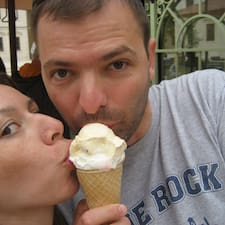 Bojana&Marko est l'hôte.