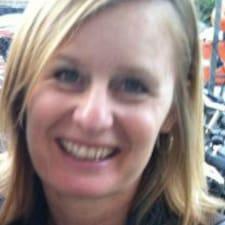 Mette Leonora Kjær est l'hôte.