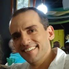 Jose Carlos es el anfitrión.