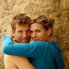 โพรไฟล์ผู้ใช้ Christine And Julien