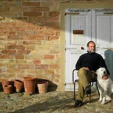 Claudio — хозяин.