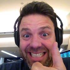 โพรไฟล์ผู้ใช้ Tom