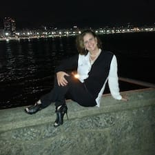 Regina Celi Lopes es el anfitrión.