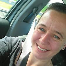 Chrystel felhasználói profilja