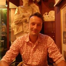 Profil Pengguna Didier