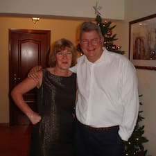 Craigen & Tracy ist der Gastgeber.