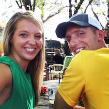โพรไฟล์ผู้ใช้ Nathan & Samantha
