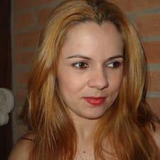 Fabiana es el anfitrión.
