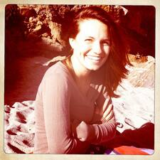 โพรไฟล์ผู้ใช้ Laura