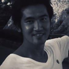 Eiji felhasználói profilja